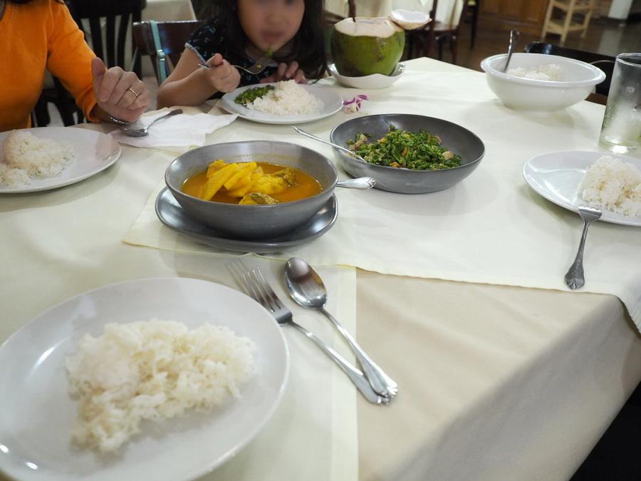 さあ、お待ちかねの南タイ料理です