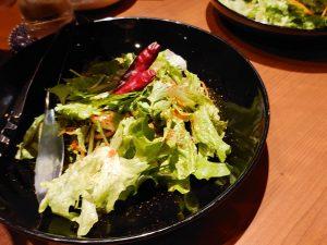 炙りササミとパクチーのサラダ